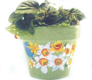 Цветочный горшочек с нарциссами и тюльпанами