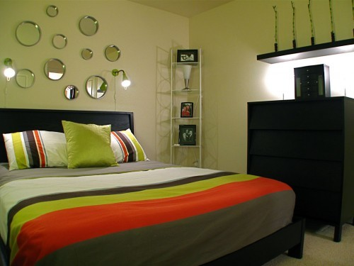 Дизайн маленькой спальни своими руками: полезные советы (фото)