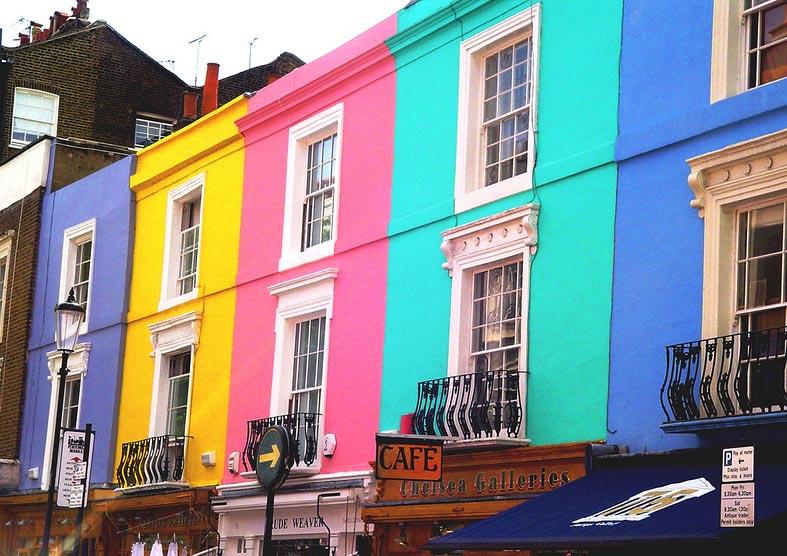 Фасадные краски для наружных работ по штукатурке: виды и особенности нанесения