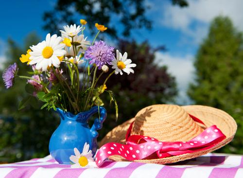 Как продлить жизнь цветов в вазе?