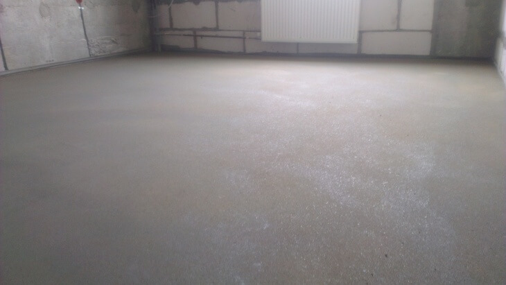 Различная шпаклевка для бетонного пола под покрытие и плитку