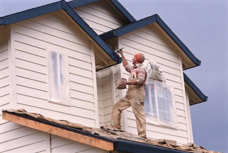 Самостоятельная покраска деревянного дома