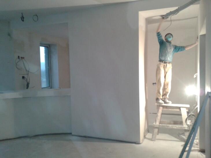 Шпатлевка Ceresit CT 29 – отличный материал для подготовки под отделку внутри и снаружи дома