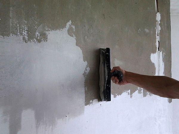 Выполняем шпатлевку стен своими руками: выбор материалов и технология работ